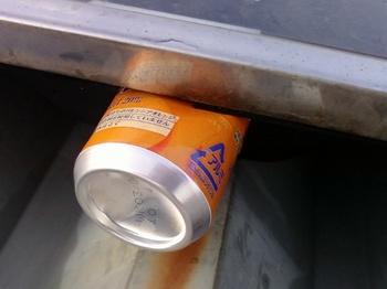 融着テープを空き缶で保護